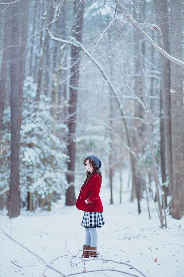 Audrey-in-Snow-4